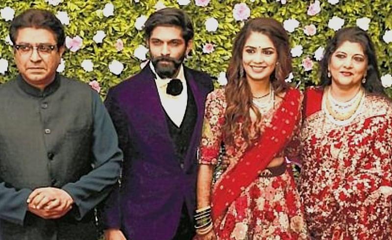 Raj-Thackeray-Mitali-Family