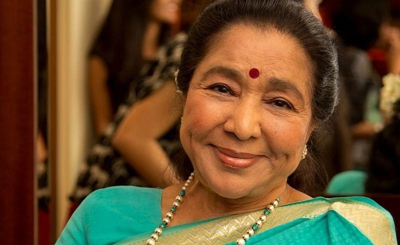 singer asha bhosle dance