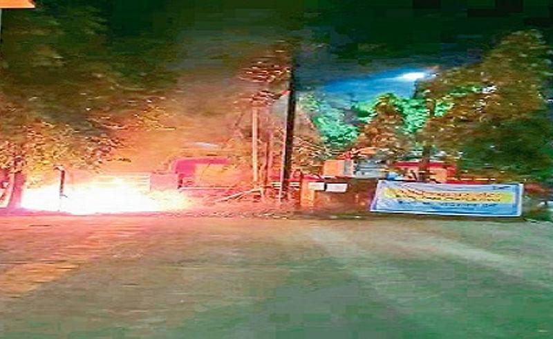 औरंगाबाद : पदमपुरा येथील कोविड केअर सेंटरपासून हाकेच्या अंतरावर गुरुवारी आगीचा भडका उडाला.