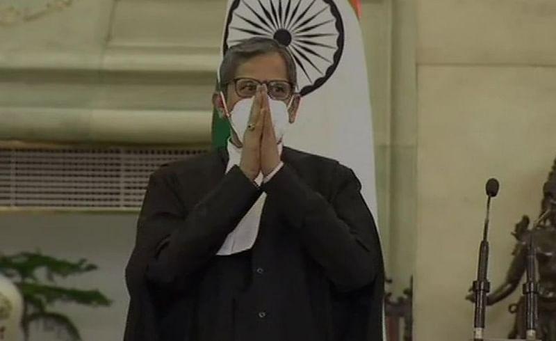 जस्टीस एन. व्ही रमणा भारताचे 48 वे सरन्यायाधीश; राष्ट्रपतींनी दिली पदाची शपथ