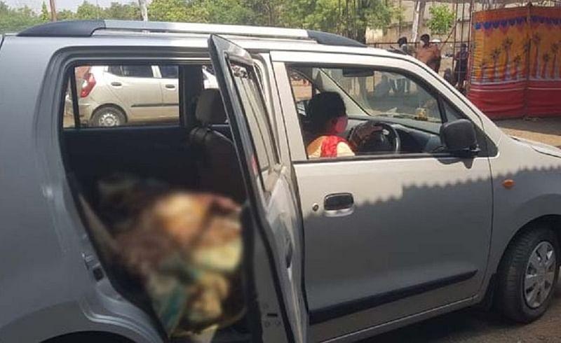 daughter drive corona patient in car