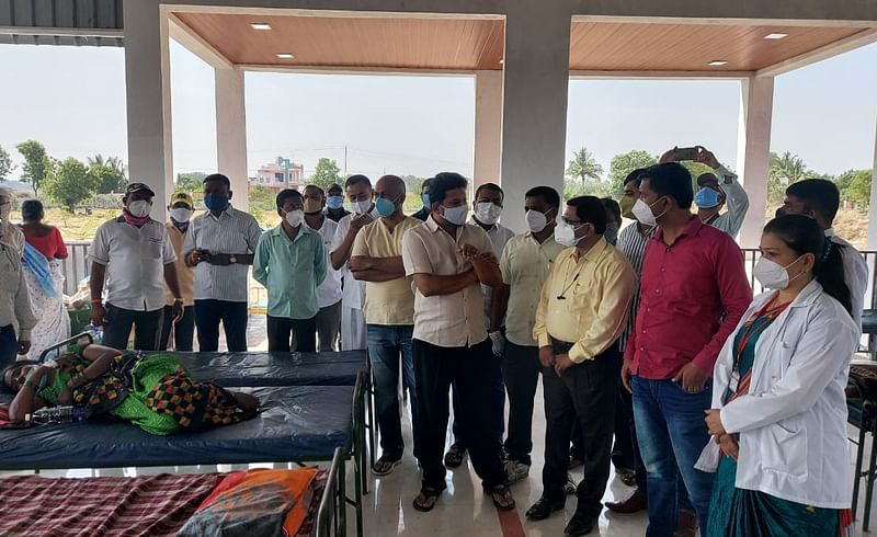 MP sujay vikhe patil visited and inspected the covid centre at bhalwani