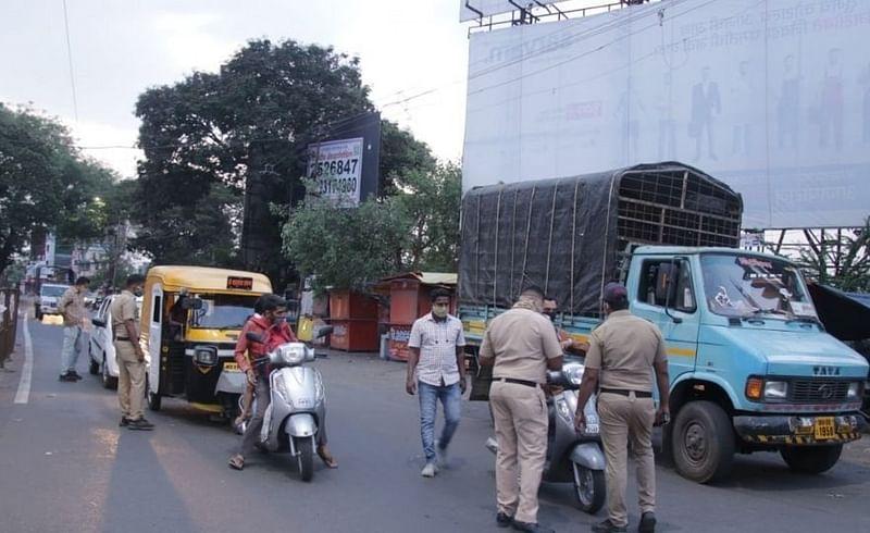 कोल्हापुरात दुकाने सुरु ठेवणाऱ्या 98 नागरिक व व्यापाऱ्यांकडून दंड वसूल