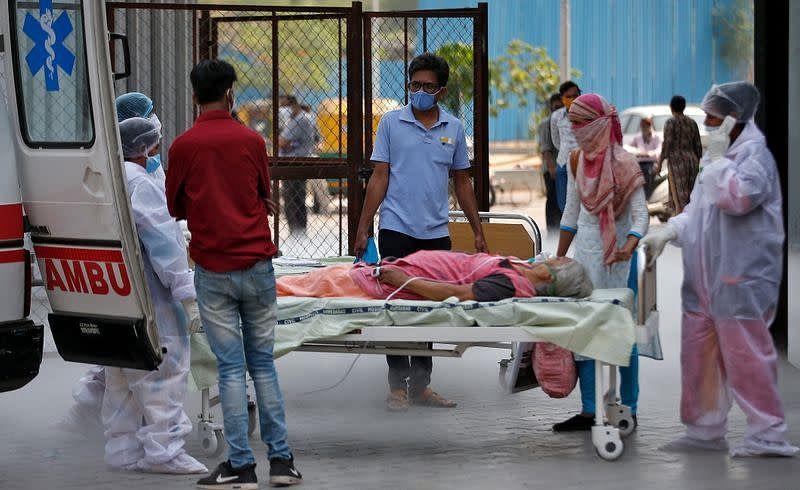 खासगी रुग्णालयांमध्ये ऑक्सीजनच्या खाटा मिळेनात