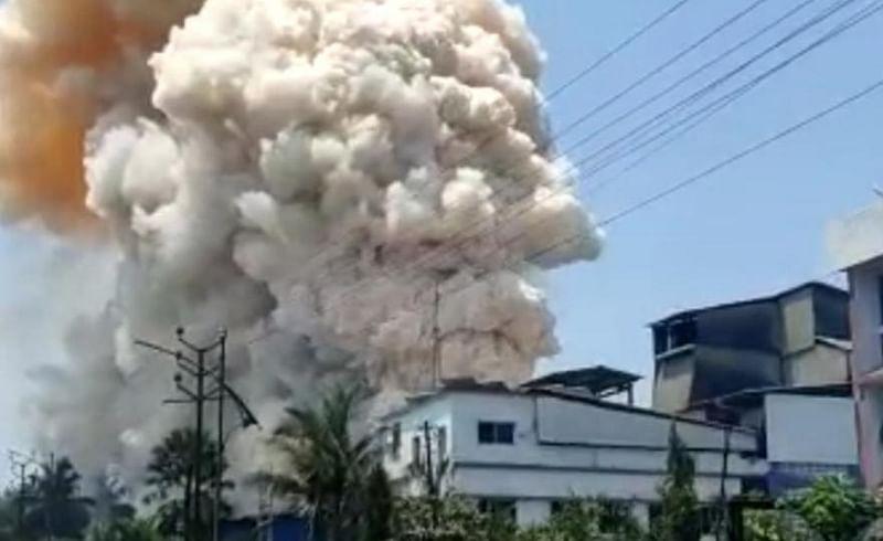 ब्रेकिंग; लोटे एसआयडीसीतील एम.आर. फार्मा कंपनीत स्फोट