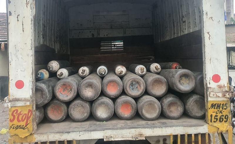 Shevgaon police stopped Oxygen's vehicle