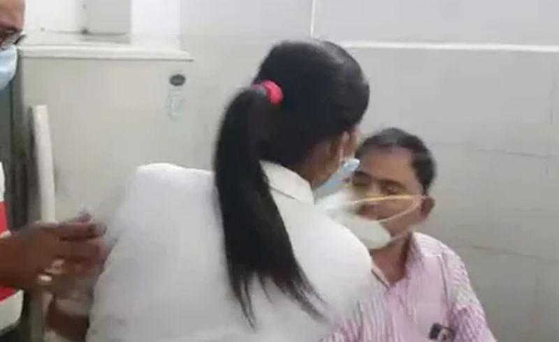 Viral Video : जिल्हा रुग्णालयात गोंधळ; नर्सनं लगावली डॉक्टरच्या कानशिलात