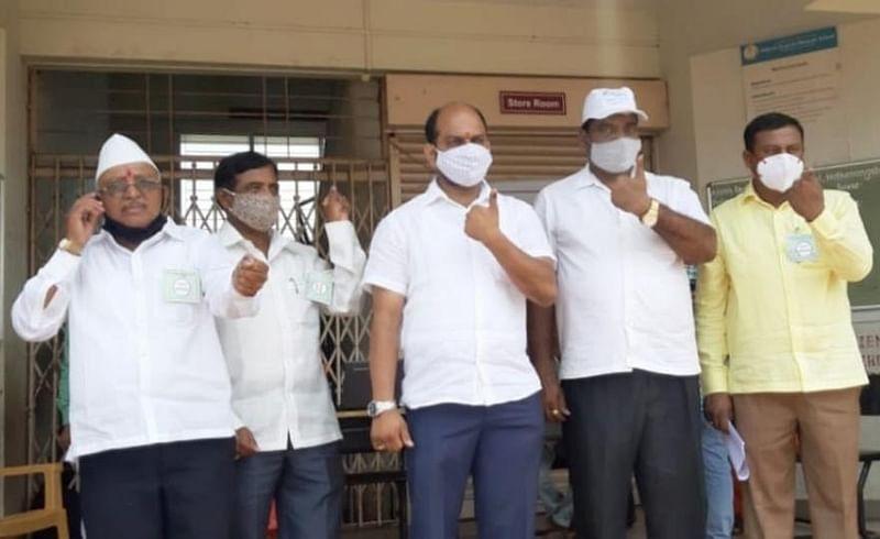 Gokul Election 2021 : 'आमचं गोकुळ चांगलं चाललयं', हातकणंगलेत चुरशीचे मतदान