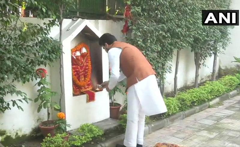 Mos Anurag Thakur troll on Social media on worshiping god