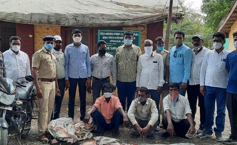 Three arrested with deer meat in Malegaon Nashik Marathi news