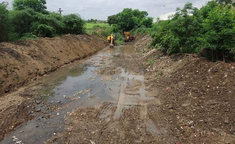 Cleaning of Vincharna river in Jamkhed through the initiative of MLA Rohit Pawar