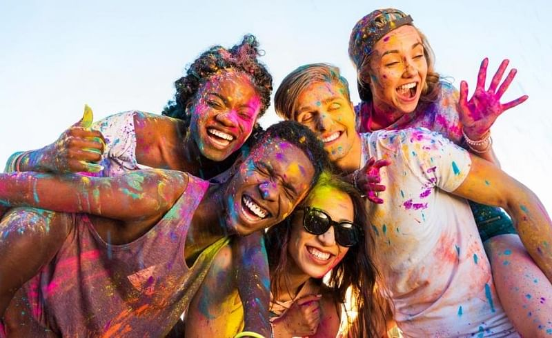 easy and effective expert tips to remove holi colours naturally