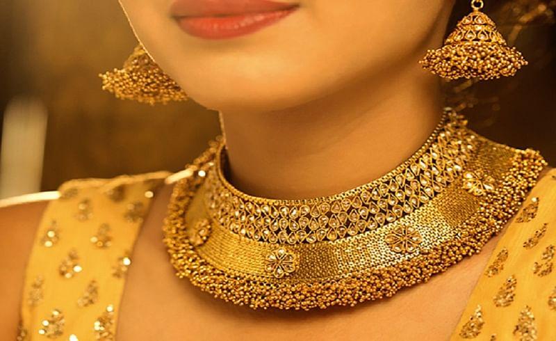 gold jwelery.jpg