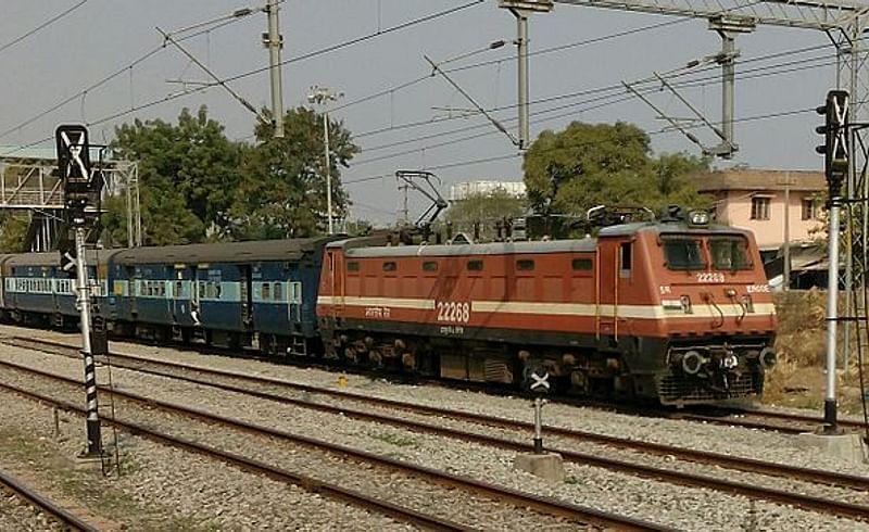 Mumbai-Chennai_Express