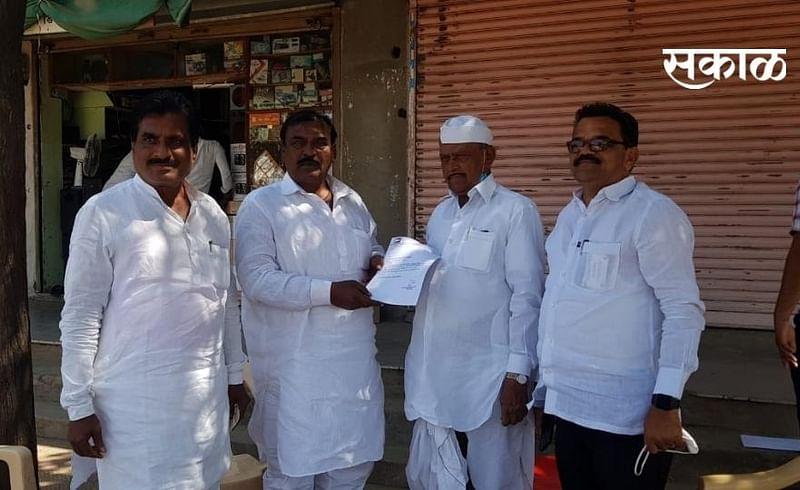 Former Deputy Chairman of Panchayat Samiti Vijay Singh Deshmukh has been elected as the President of Pandharpur Taluka NCP..jpg