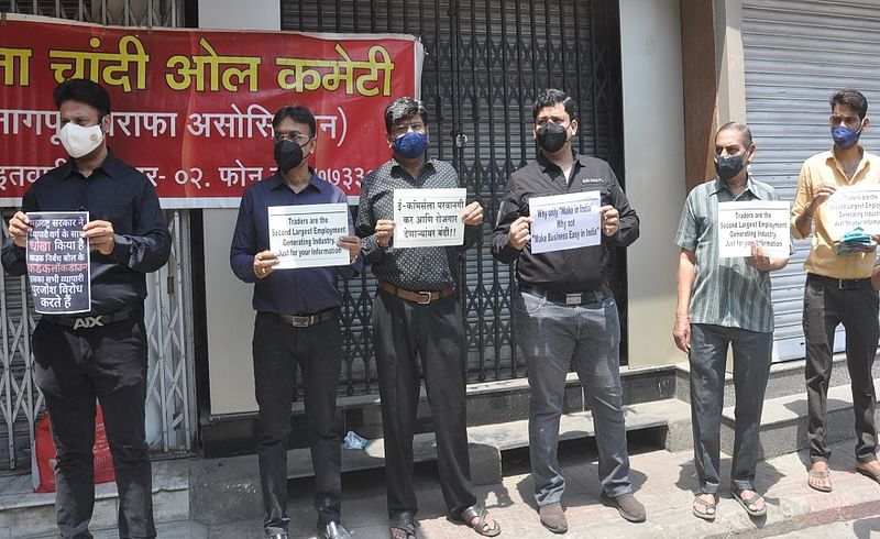 Small Businessmen are still protesting against lockdown in Nagpur
