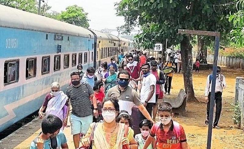 mumbai workers come konkan sindhudurg