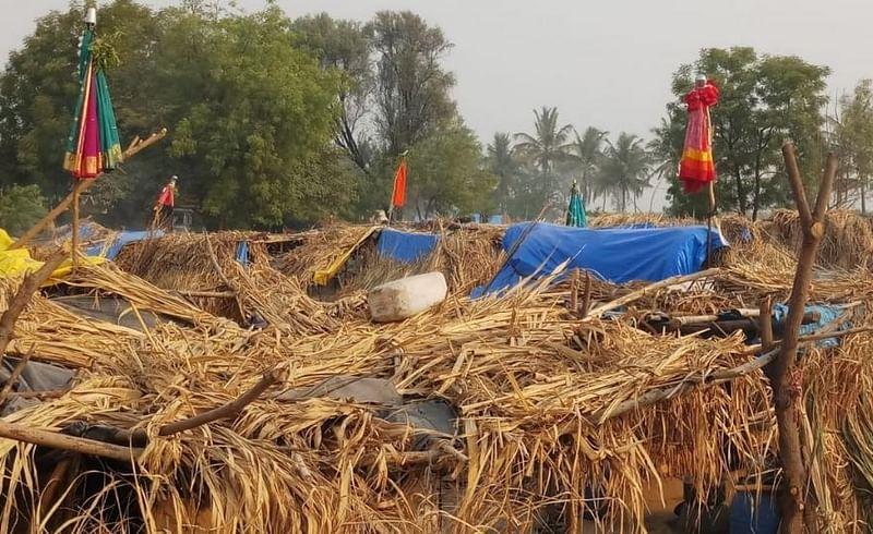 Sugarcane harvesters celebrate Gudipadva festival.jpg