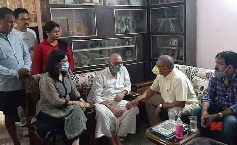 अभिनेते नाना पाटेकर यांनी घेतली सुशांत सिंह राजपूतच्या कुटुंबीयांची भेट