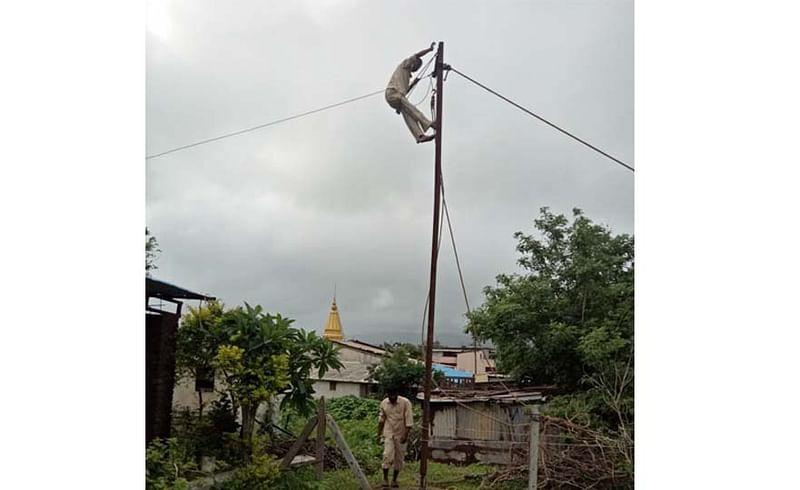Sakal Impact : मावळातील 'या' गावचा वीजपुरवठा अखेर सुरळीत
