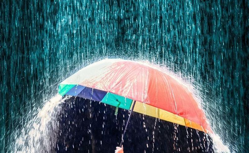 Pune unseasonal Rain In Pune On First DAy Of Weekend Lockdown