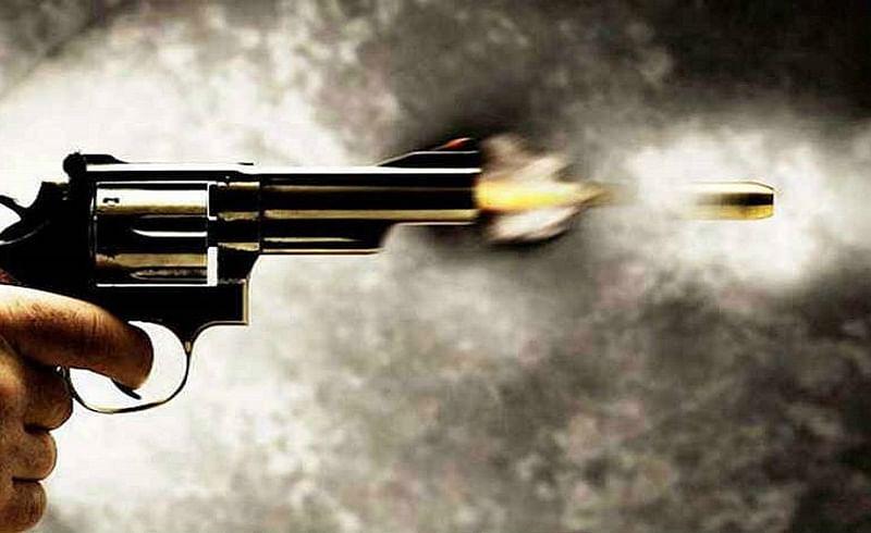 व्याजाच्या पैशांसाठी गोळीबार; बांधकाम व्यावसायिकाच्या तक्रारीनंतर दोघांना अटक