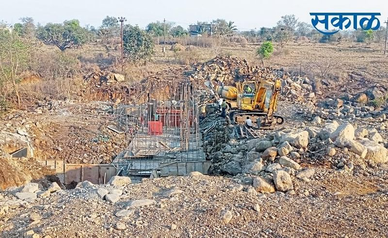 The K T Weir Dams On The Ambeohal Project Will Be Completed Soon Kolhapur Marathi News