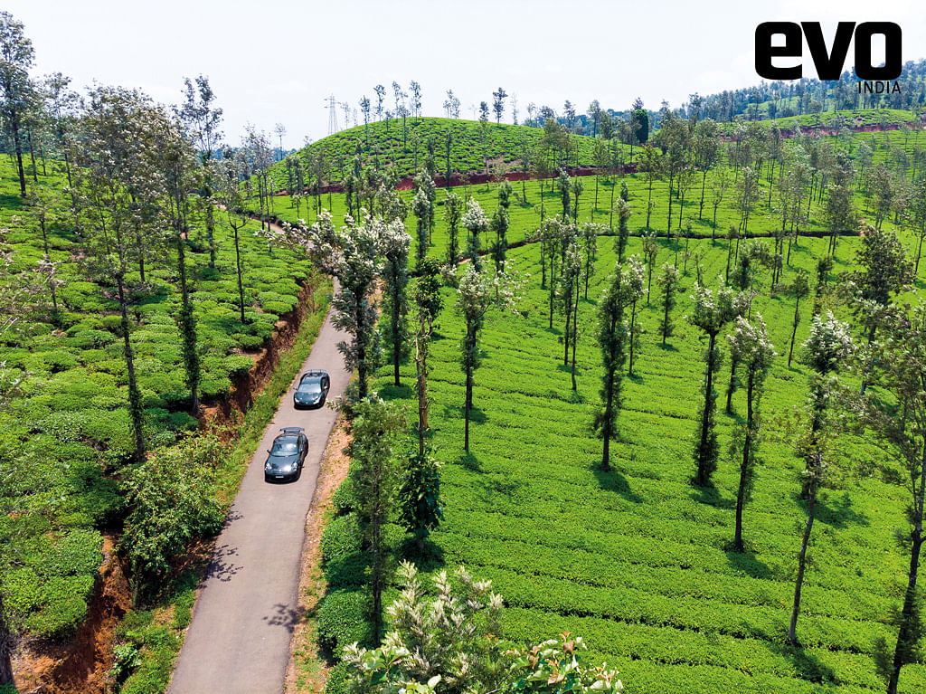 Tea plantations that stretch to the horizon make for anideal supercar hunting grounds. The Lamborghini Huracan Performante and Porsche911 GT3 in the tea gardens in the mountains of Kerala