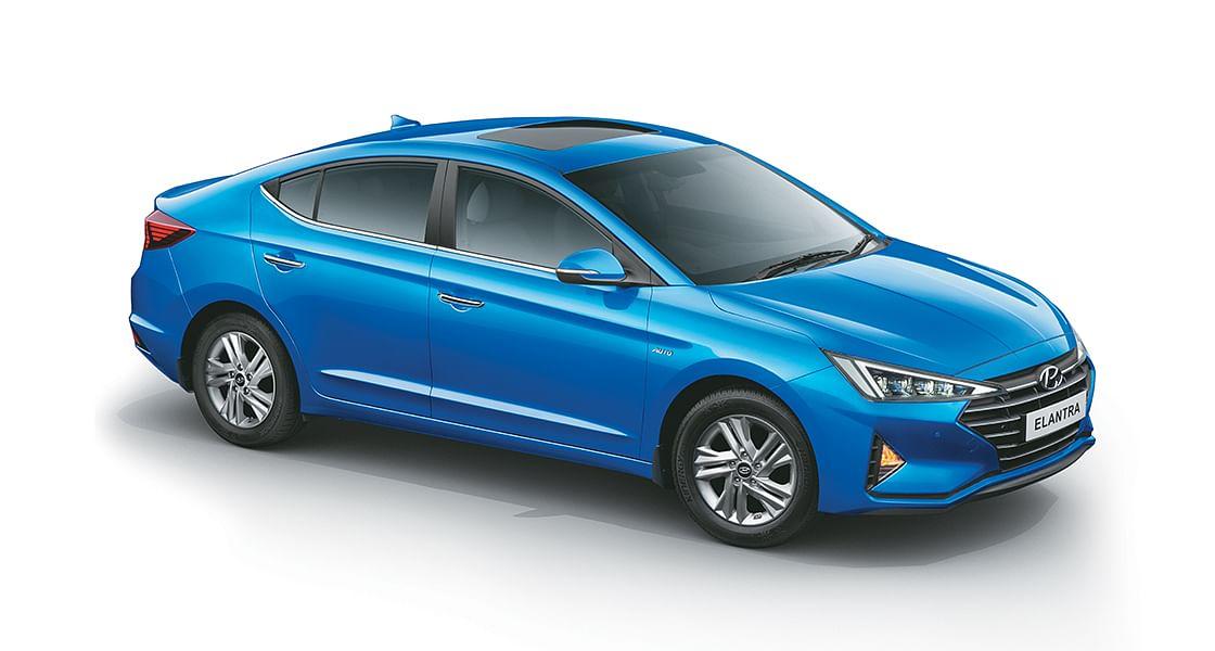 Hyundai unveils facelifted Elantra for India