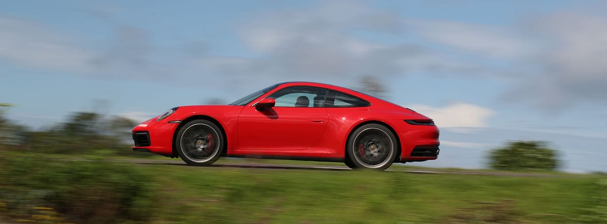 Enthusiasts Ahoy! The 992-gen Porsche 911 now gets a manual gearbox!