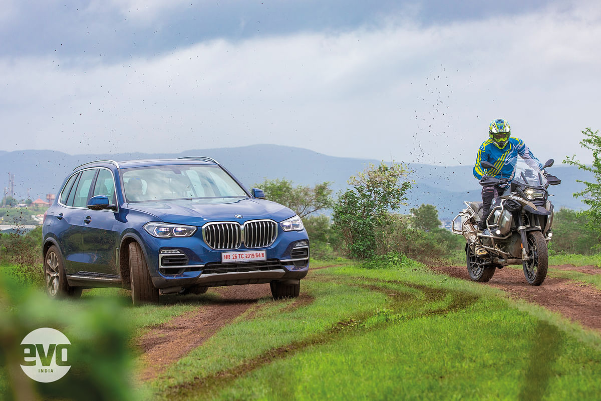 BMW X5 and R1250 GS in action