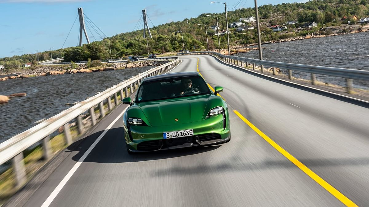 New Porsche Taycan review - better than the fastest version of Tesla Model S?