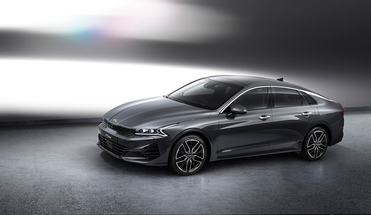 Kia unveils new K5 sedan