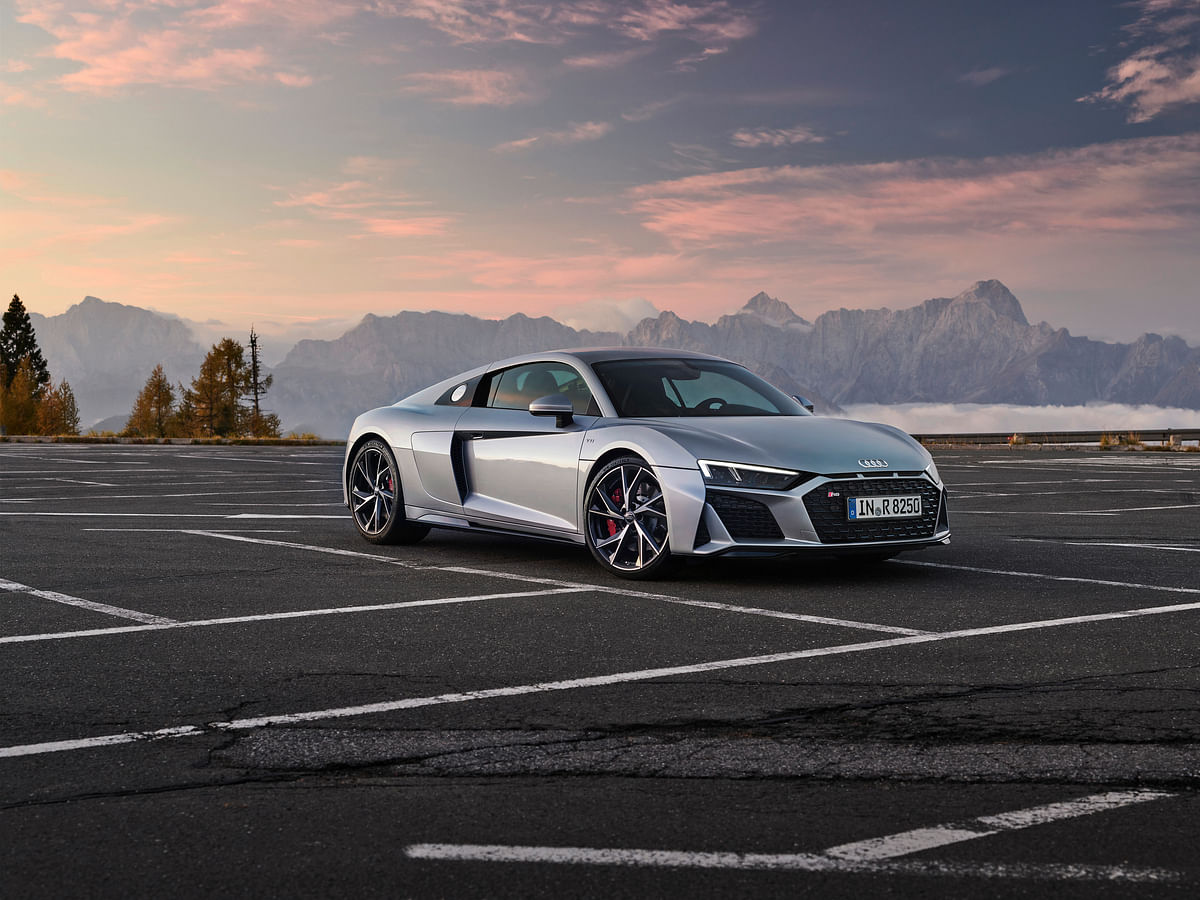 Audi brings back the rear-wheel drive R8 for 2020