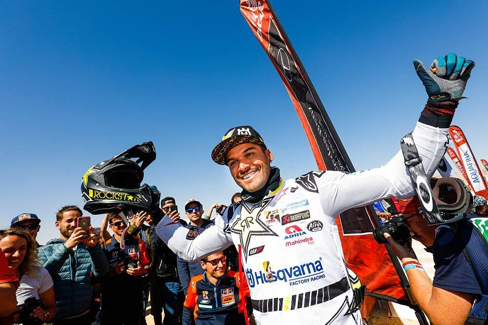 Carlos Sainz and Ricky Brabec emerge victorious at Dakar 2020