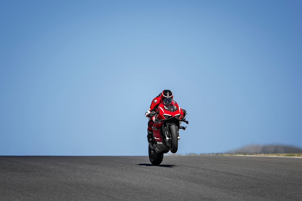 Ducati's Superleggera V4 finally breaks cover!