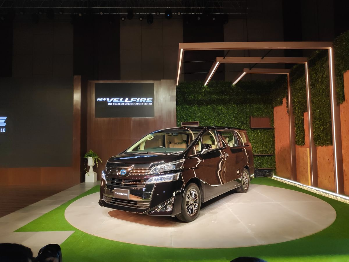 Toyota launches the Vellfire at Rs 79.5 lakh