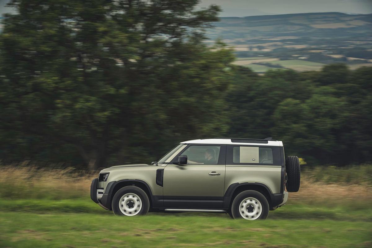 Land Rover Defender 90 Side Outdoor