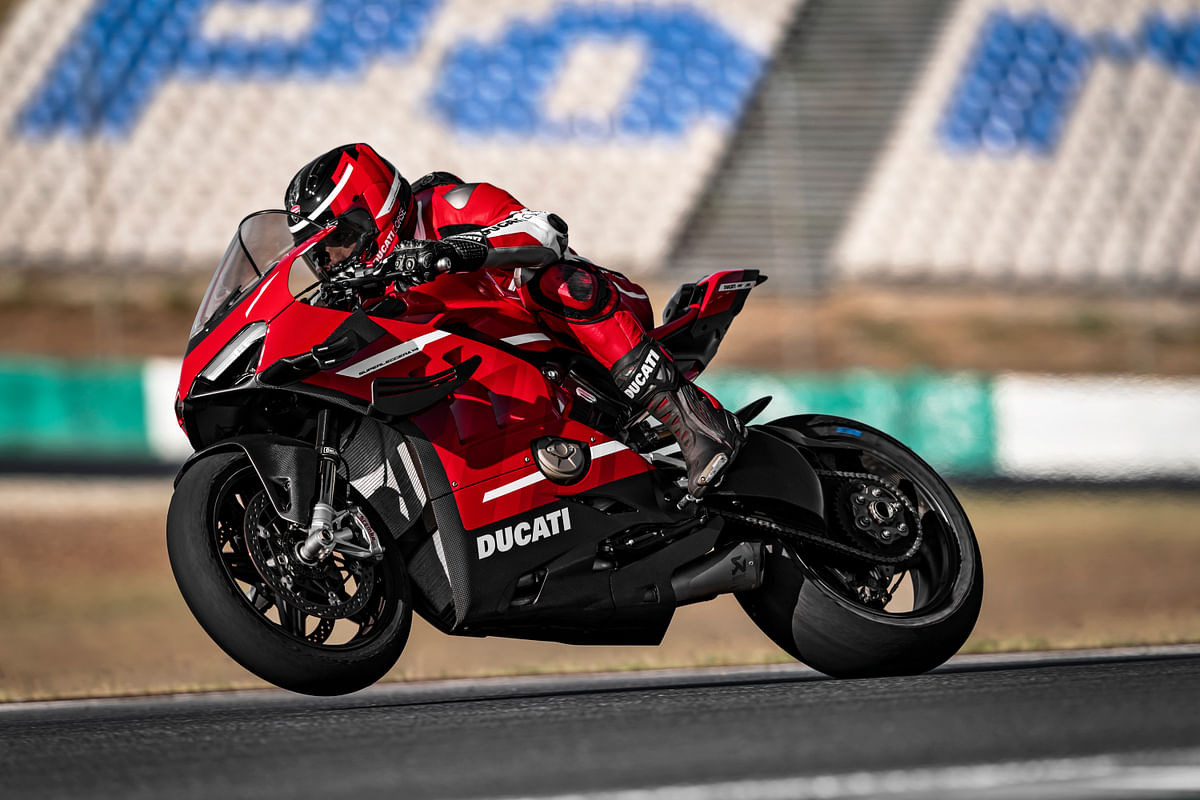 Ducati's Superleggera V4 finally breaks cover!