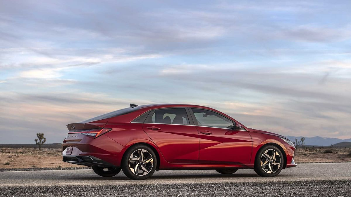 Hyundai has also introduced a hybrid variant with a 1.6-litre GDI four-cylinder engine mated to a 32kW (43bhp) electric motor, delivering a combined power output of 137bhp