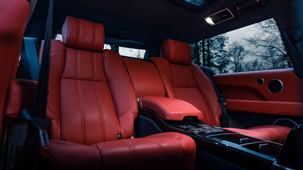 Electrically operated rear seats.