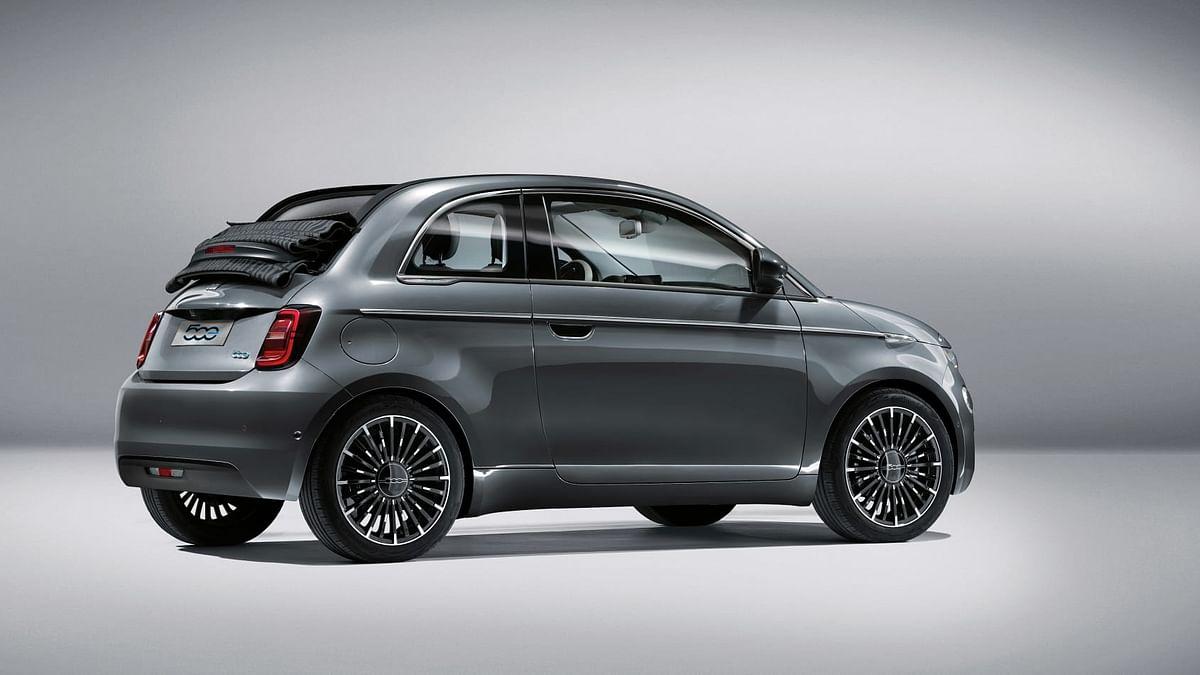New 2020 Fiat 500 rear 3 quarters