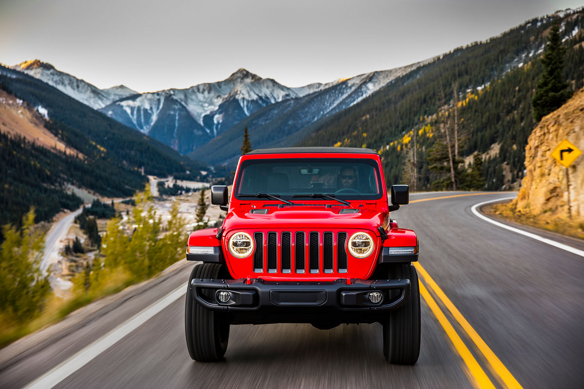 Jeep design with a keystone-shaped seven slot grille that pays homage to the Jeep CJ.