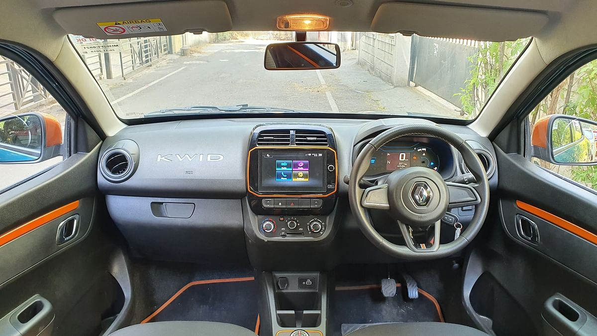 The Kwid gets orange accents on the front dash as well that enhances the sporty stance.