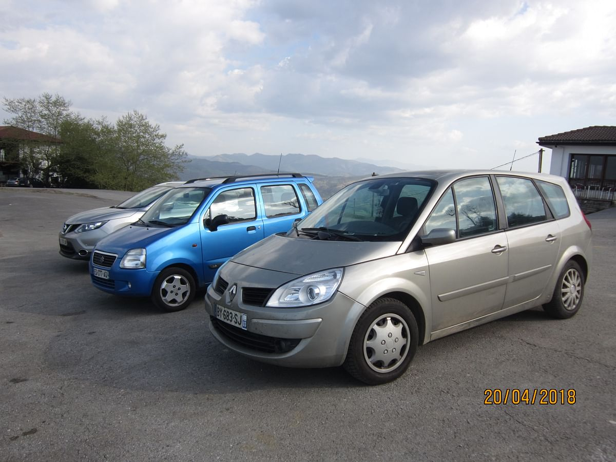 Renault Grand Scenic - my ride on a lot of road trips. 1.9L DCI, 138bhp and 300Nm.