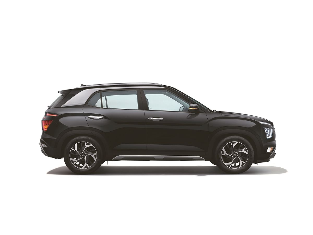Helping highlight the SUV styling are also the roof rails, the front and rear skid plates and an amplified wheel-arch.