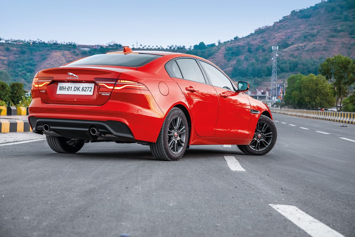 247 horses and 365Nm of torque which is quickly transmitted to the final drive by the 8-speed gearbox
