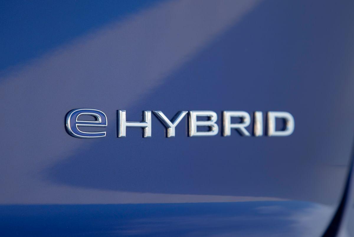 2021 Volkswagen Touareg R eHybrid badge