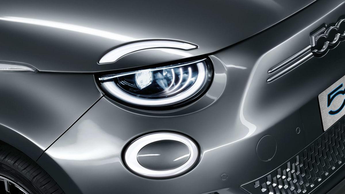 New 2020 Fiat 500 headlights