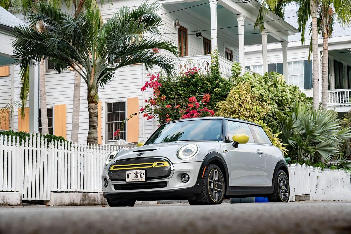 Mini renames 'Corona spoke' wheels on its Cooper SE